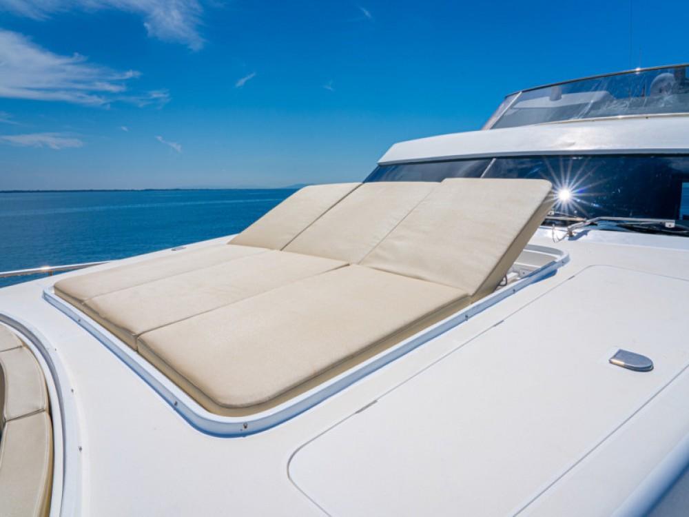 Boat rental Alzachèna/Arzachena cheap Akhir 85
