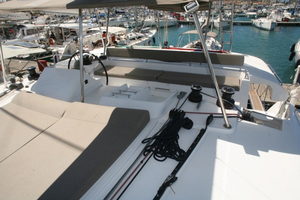 Rental Catamaran in Lefkada - Lagoon Lagoon 450  Flybridge