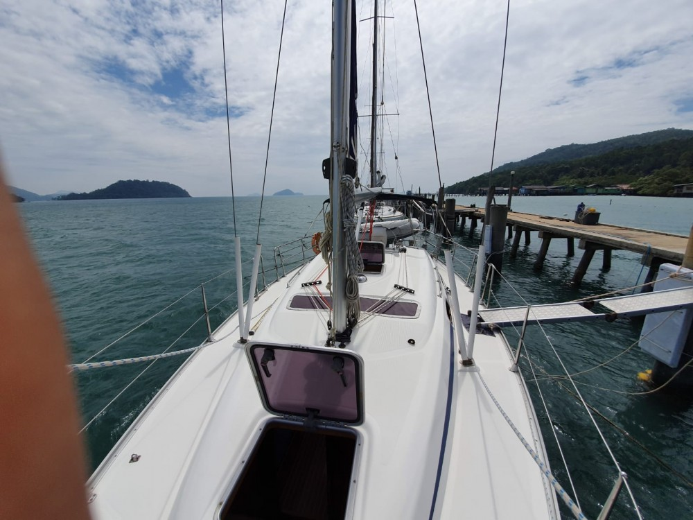 Hire Sailboat with or without skipper Bavaria Pattaya
