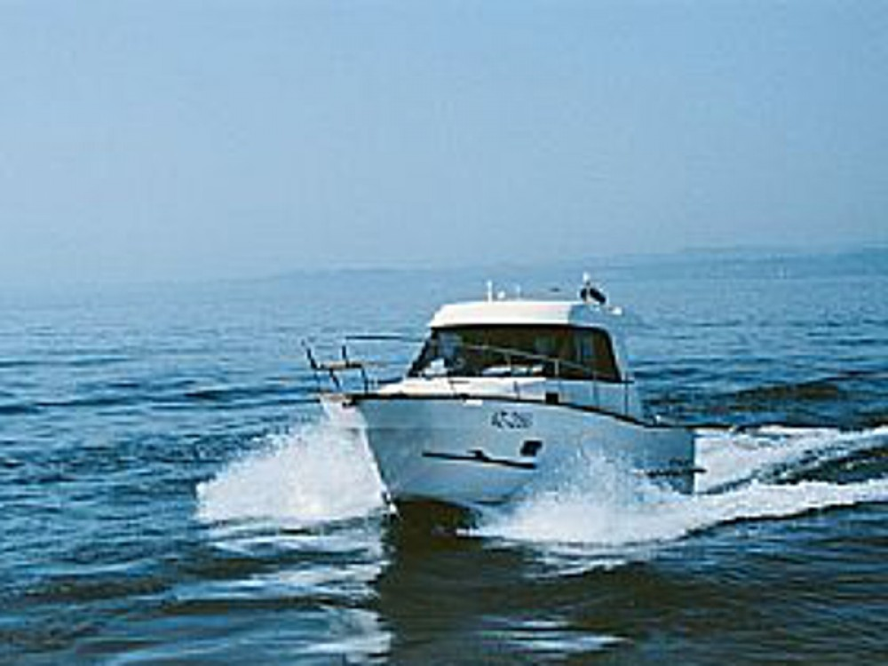 Hire Motor boat with or without skipper Sas Vektor Marina Šangulin