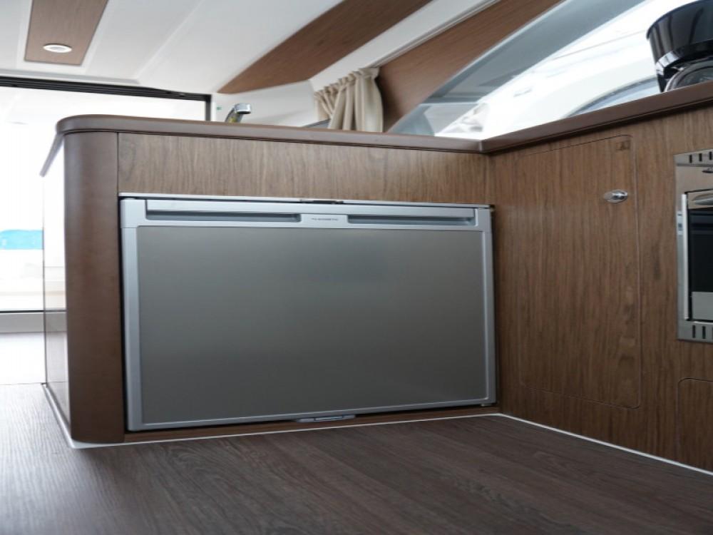 Boat rental  cheap Antares 36