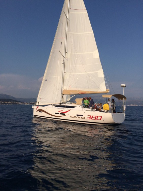 Rental Sailboat in Palma - Salona Salona 380 Performance