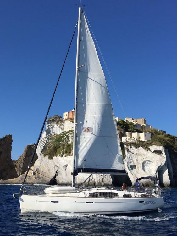 Rental Sailboat in Nettuno - Bénéteau Oceanis 40