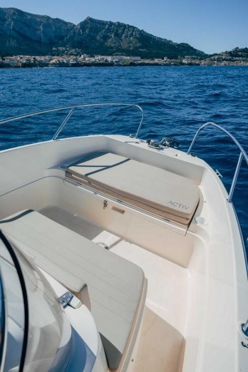 Rent a Quicksilver Activ 675 Open Marseille
