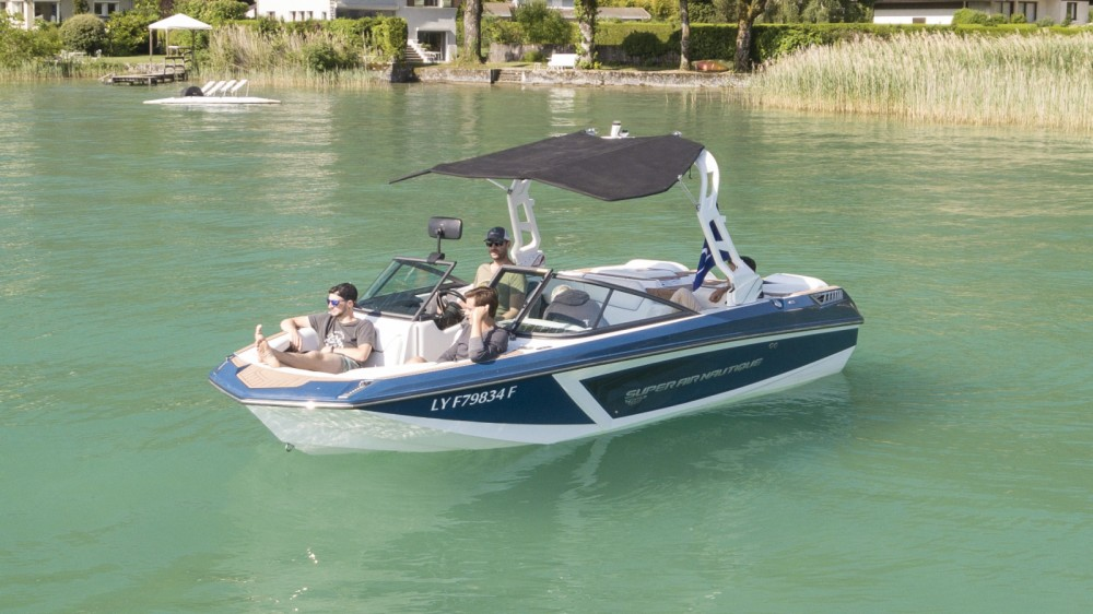 Boat rental Nautique Correct Craft GS20 in Annecy on Samboat