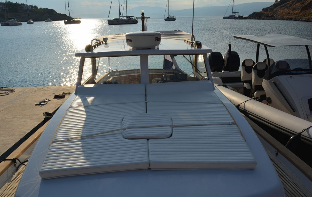 Rental yacht Hydra - Custom Made Lobster 38 on SamBoat