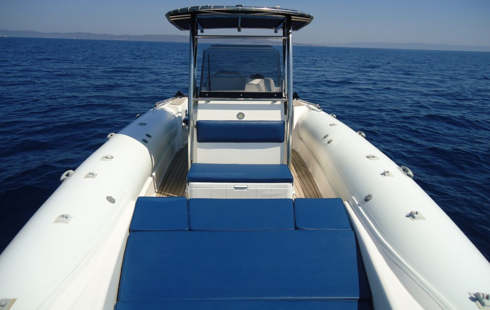 Rental RIB in Athens - Great White Faethon 900