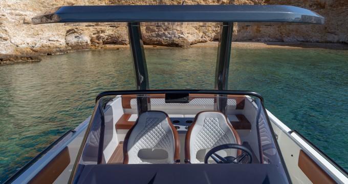 Boat rental Magna GT 331 in Athens on Samboat