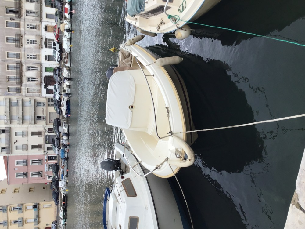 Motor boat for rent Sète at the best price