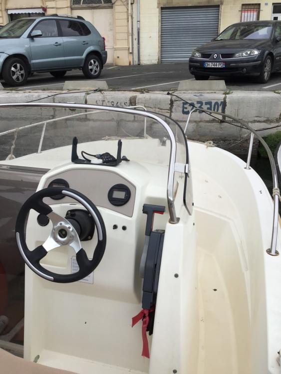 Rental yacht Sète - Jeanneau Cap Camarat 555 on SamBoat