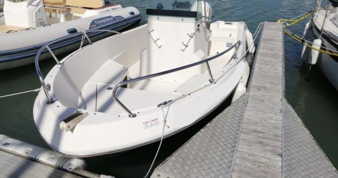 Boat rental Noirmoutier-en-l'Île cheap White Shark 175