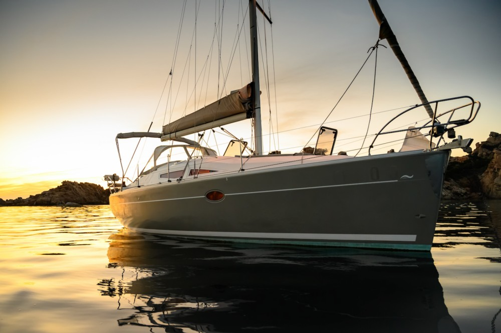 Sailboat for rent Lu Palau/Palau at the best price