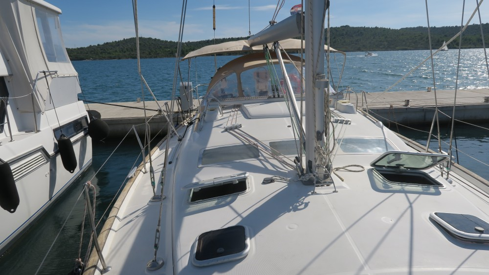 Rental yacht Pirovac - Bénéteau Oceanis 423 on SamBoat