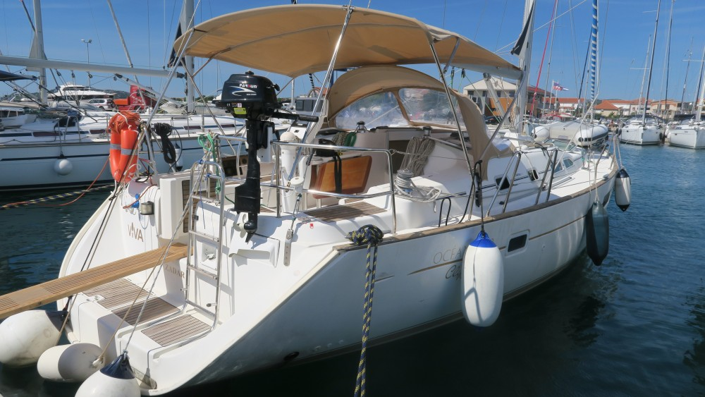 Rental Sailboat in Pirovac - Bénéteau Oceanis 423