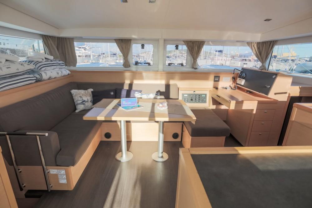 Rental yacht Trogir - Lagoon Lagoon 400 S2 on SamBoat