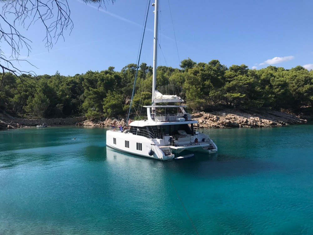 Hire Catamaran with or without skipper Sunreef Trogir
