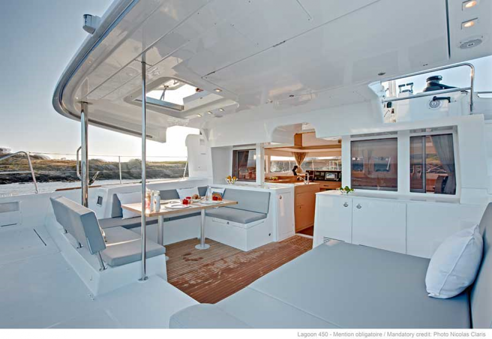 Boat rental Lagoon Lagoon 450 in Dubrovnik on Samboat
