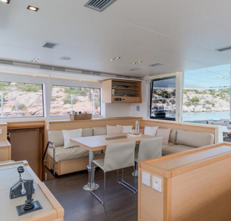 Rental Catamaran in Trogir - Lagoon Lagoon 560