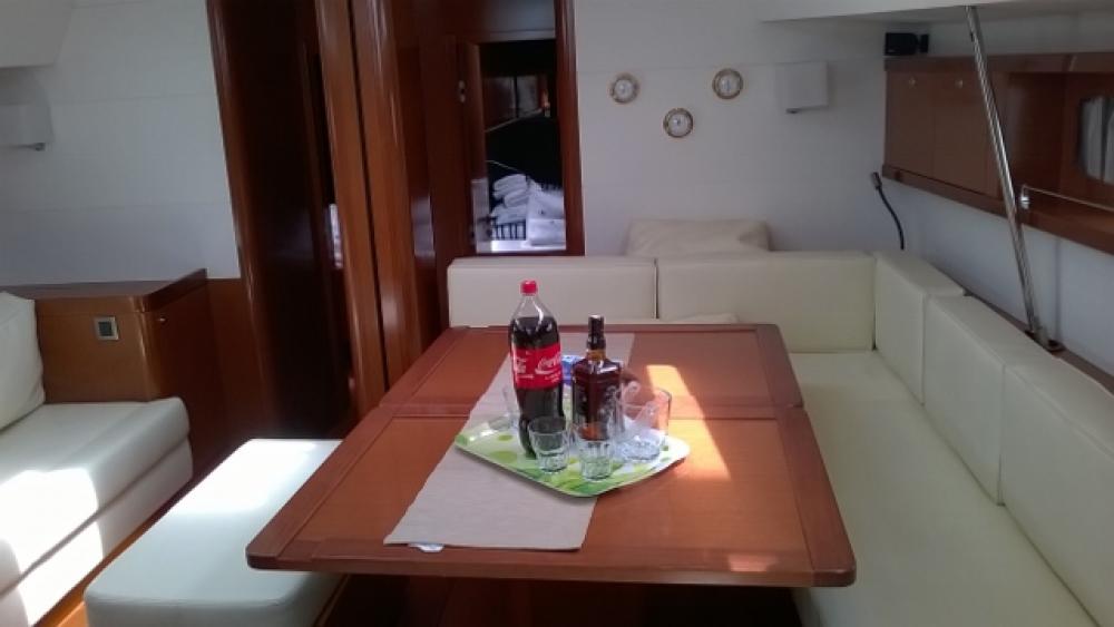 Jeanneau Oceanis 60 between personal and professional Trogir