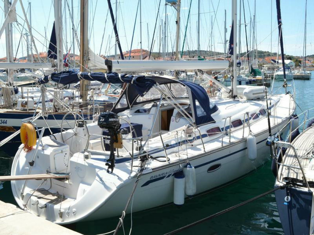 Hire Sailboat with or without skipper Bavaria Cecina