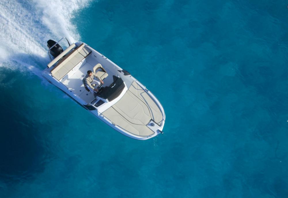 Rental Motorboat in Castelló d'Empúries - Bénéteau Flyer 6.6 SUNdeck