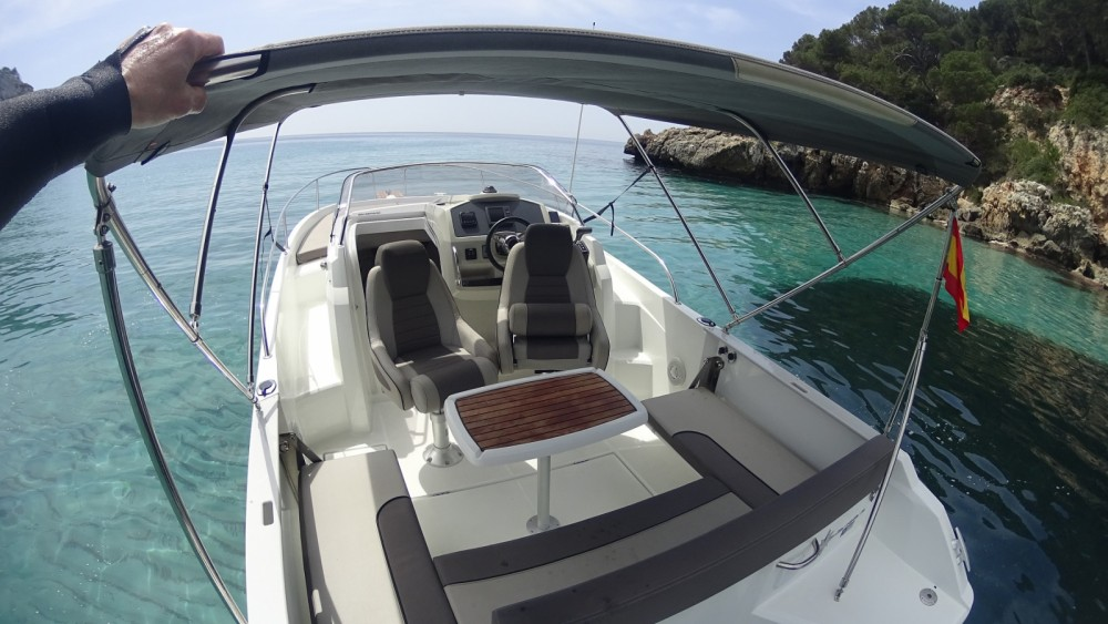 Hire Motorboat with or without skipper Jeanneau Ciutadella