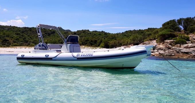 Rent a Motonautica-Vesuviana MV 780 Confort Saint-Florent