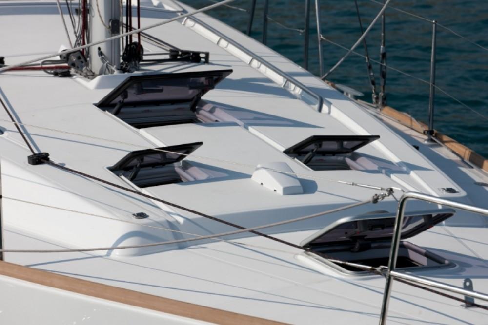 Boat rental Bénéteau Oceanis 41.1 in Procida on Samboat