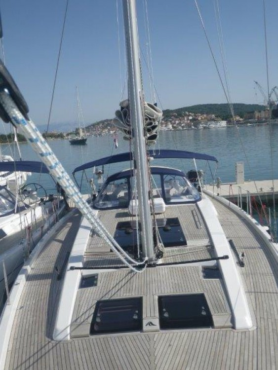 Hire Sailboat with or without skipper Hanse Trogir