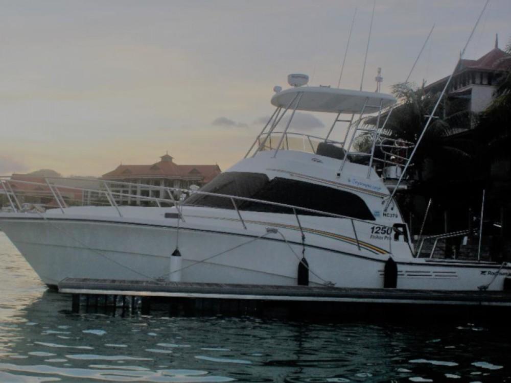 Rental yacht Victoria - Rodman Rodman 1250 Fisher Pro on SamBoat