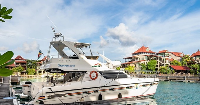 Hire Motorboat with or without skipper  Eden Island