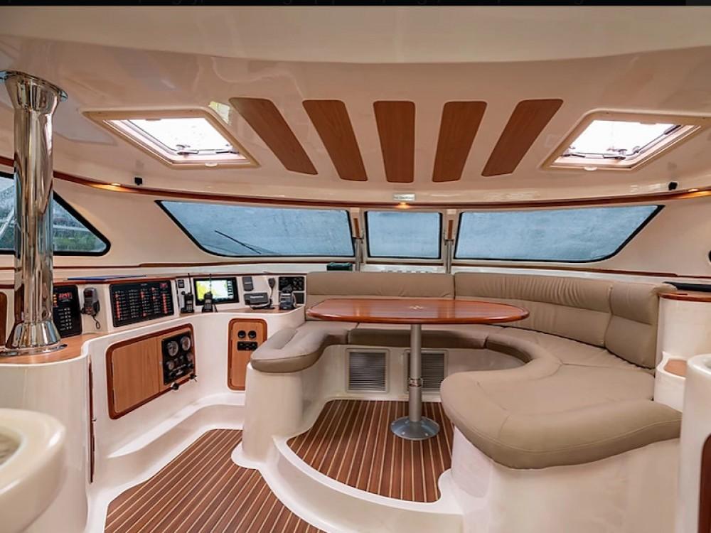 Rental yacht Victoria -  Afri-Cat 420 on SamBoat