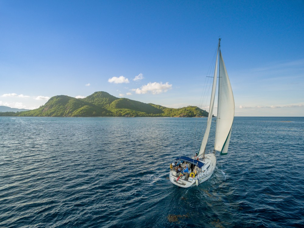 Hire Sailboat with or without skipper Dufour Victoria