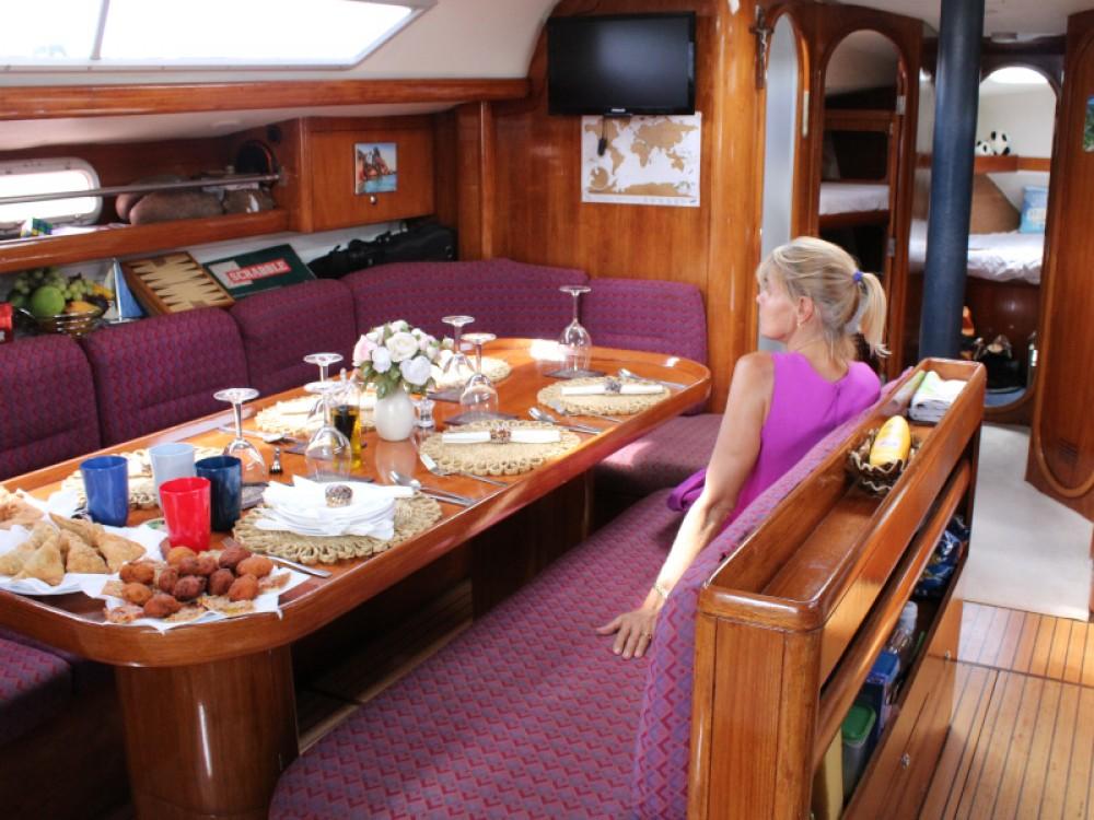 Boat rental Dufour Gib Sea 472 in Victoria on Samboat