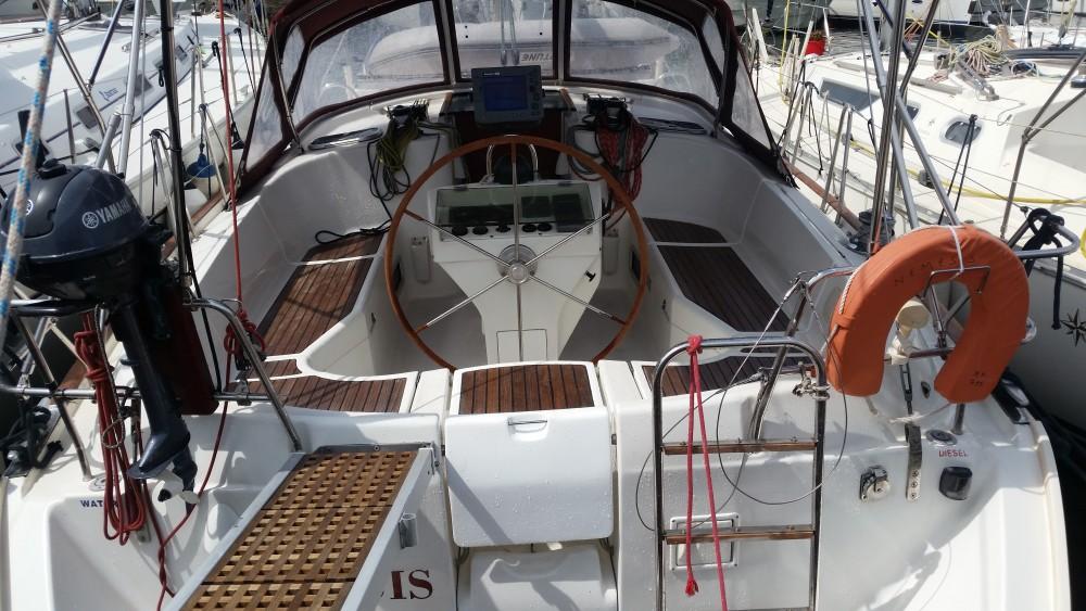 Boat rental Álimos cheap Oceanis 411 Clipper