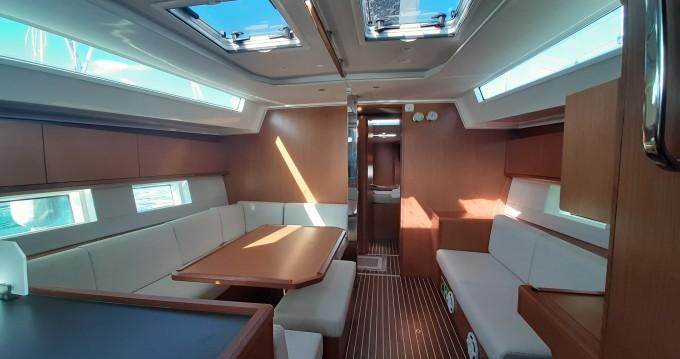Boat rental Lávrio cheap Bavaria C45