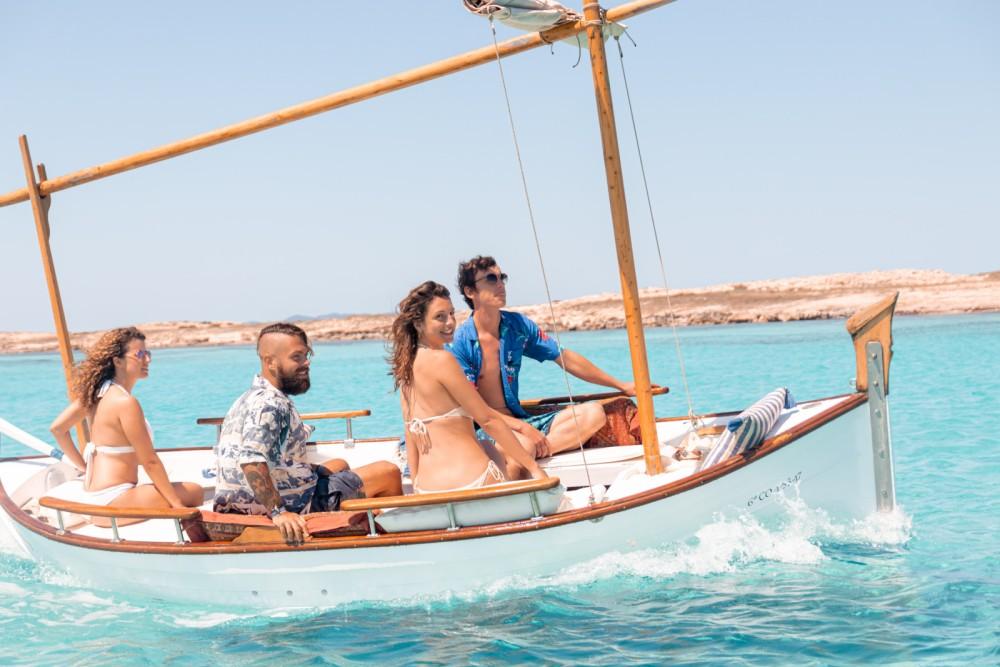 Boat rental  cheap Cala Gamba