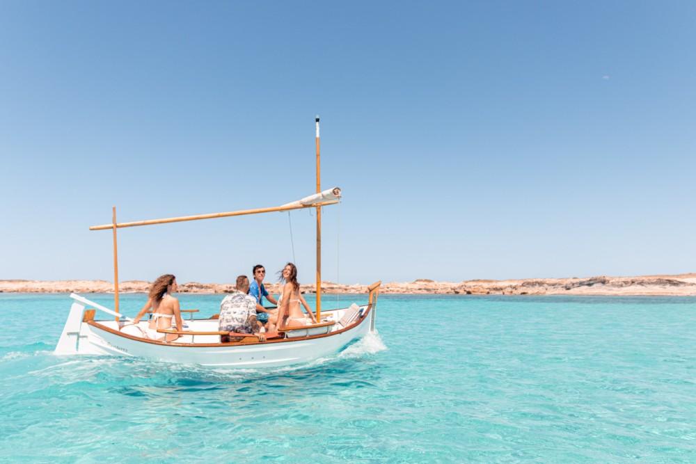 Boat rental Majoni Cala Gamba in  on Samboat