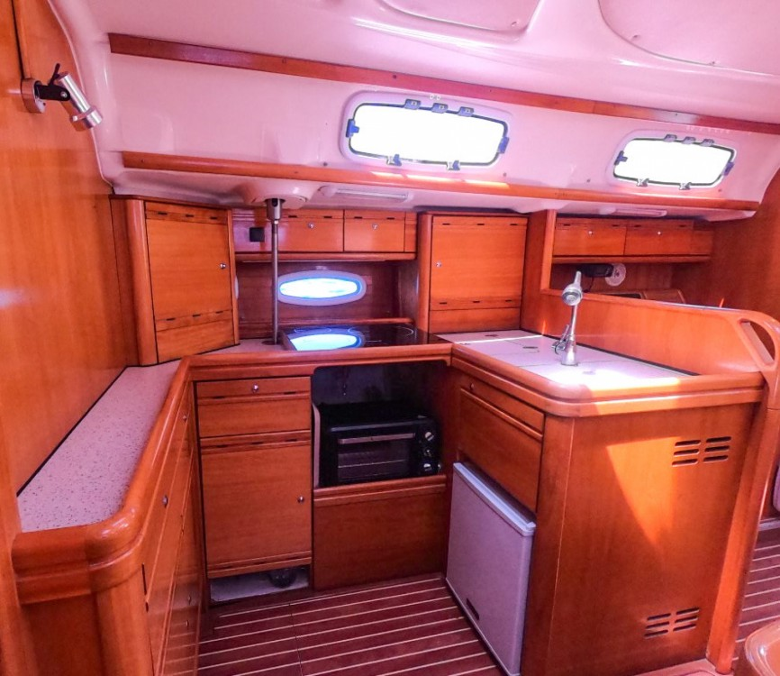 Hire Sailboat with or without skipper Bavaria Alicante
