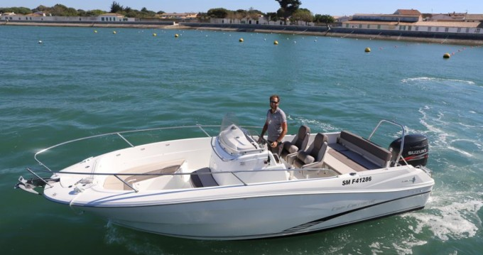 Hire Motorboat with or without skipper Jeanneau La Flotte