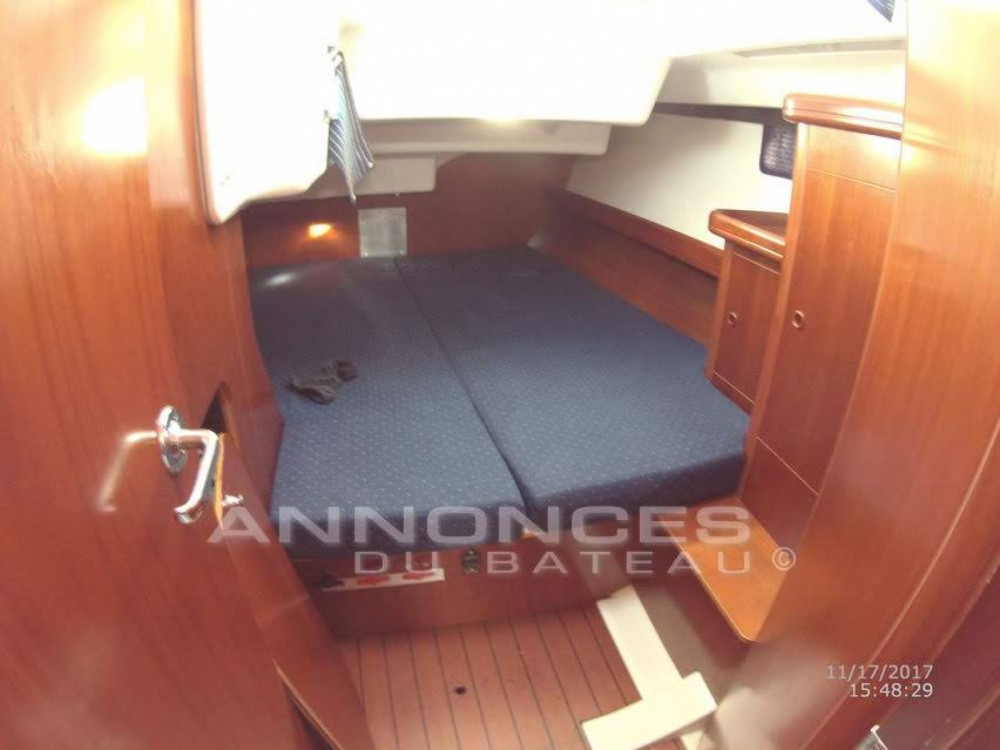 Sailboat for rent Port-de-Bouc at the best price