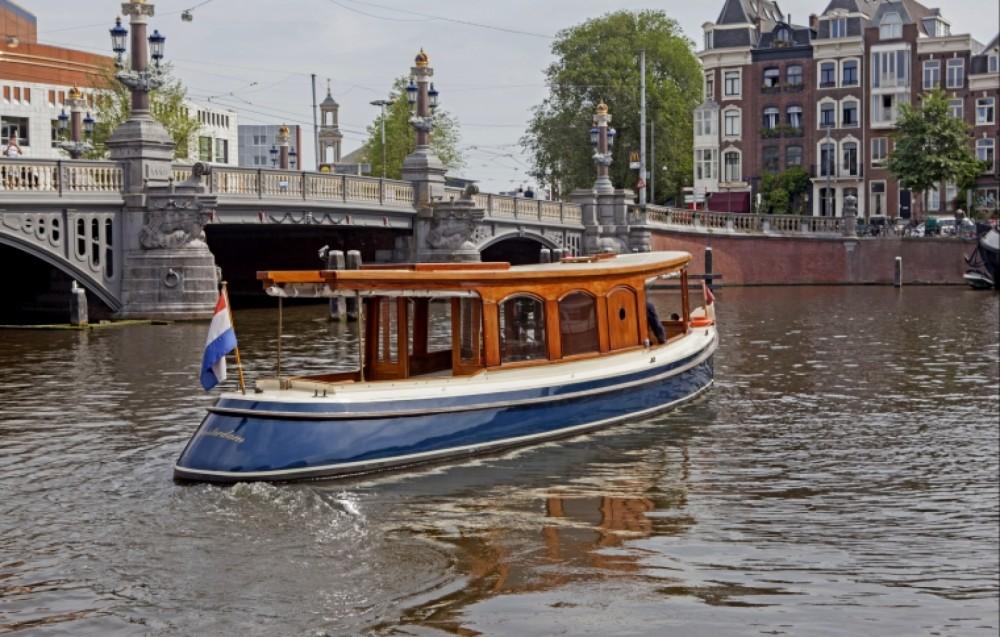 Boat rental Amsterdam cheap Canalboat