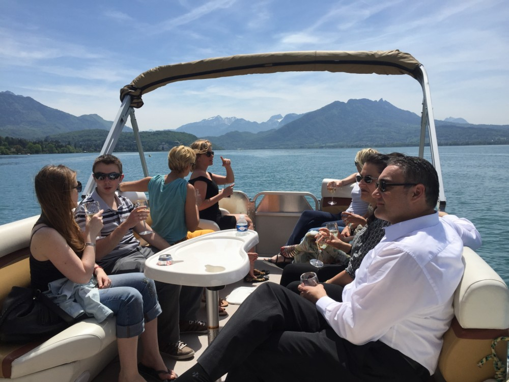 Rental yacht Annecy - Sun Tracker Party Barge 24 DLX on SamBoat