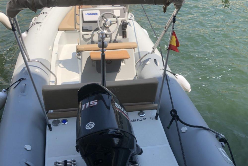Rental yacht La Trinité-sur-Mer - Zodiac Medline 580 on SamBoat