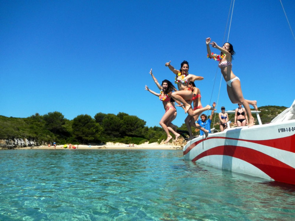 Boat rental es Mercadal cheap UKELELE