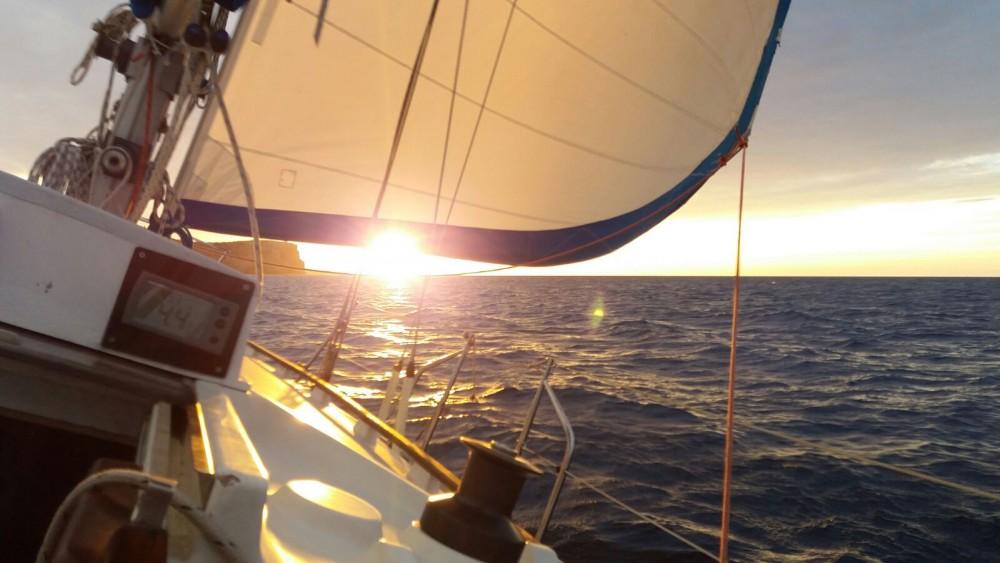 Rental Sailboat in es Mercadal - Wauquiez Gladiateur