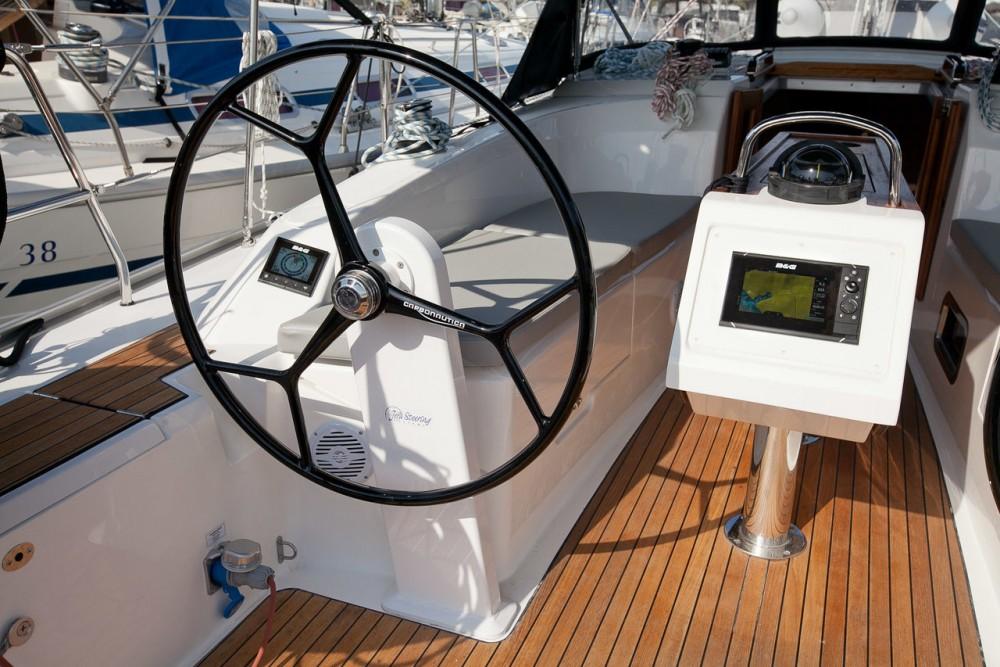 Rental Sailboat in Grad Zadar - Bavaria Bavaria Cruiser 34 Style