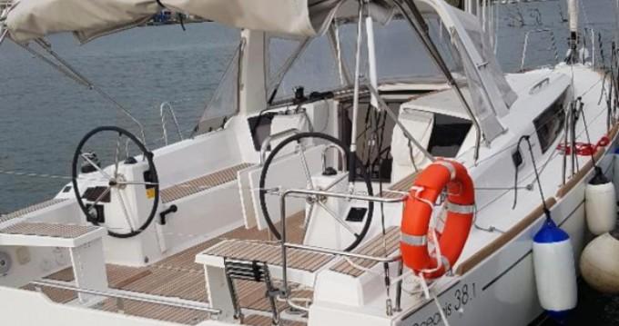 Boat rental Nettuno cheap Oceanis 38.1