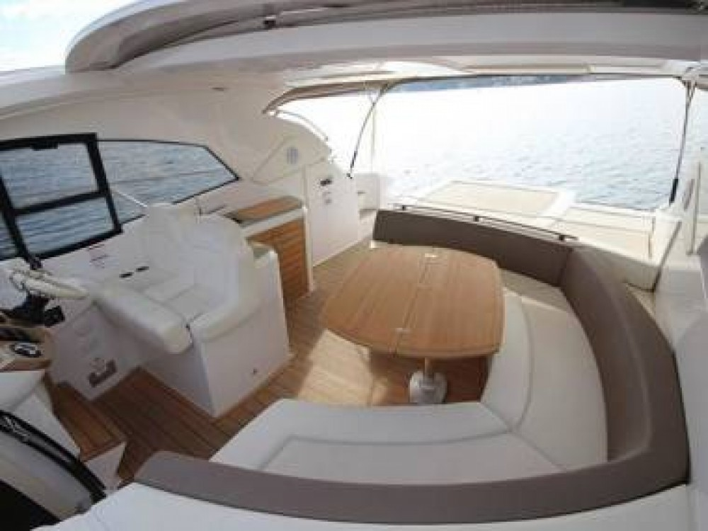 Sessa Marine C44 between personal and professional Hyères