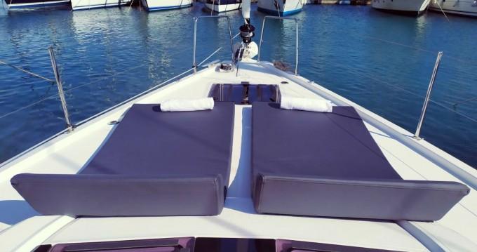 Boat rental Bénéteau Oceanis 51.1 in Municipal Unit of Lefkada on Samboat